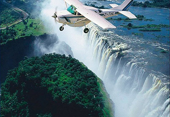 Skydiving-in-Victoria-Falls